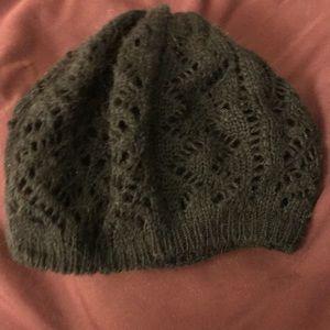 Black h&m slouchy hat