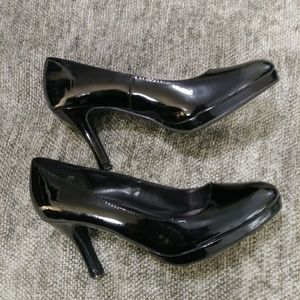 Studio 1940 Patent Leather Heels