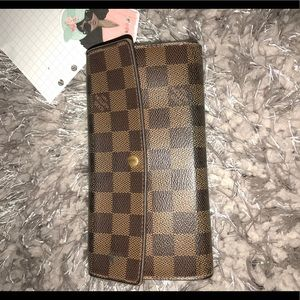 Louis Vuitton Sarah Wallet — used condition