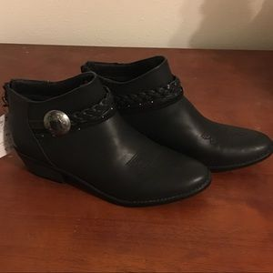 DV Cowgirl Booties (US 9 1/2) NWT