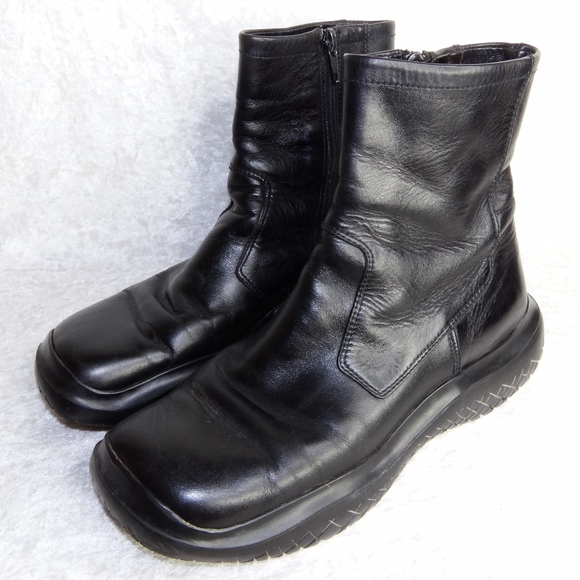 Pre-owned - Leather biker boots Prada 6971abFc