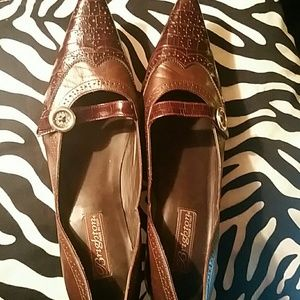 Shoes - Brighton Women Shoes Trenton in EUC Sz 9 M