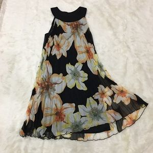 Dresses & Skirts - JBS pleated and lined floral print dress