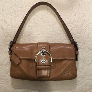 Coach camel colored leather handbag EUC