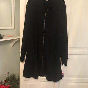 Black zippered topper