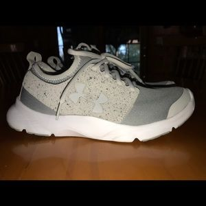 Under Armour size 7.5