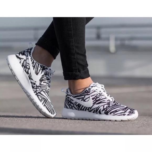 cc7acc0004fa Women s Nike Roshe One Print Sneakers