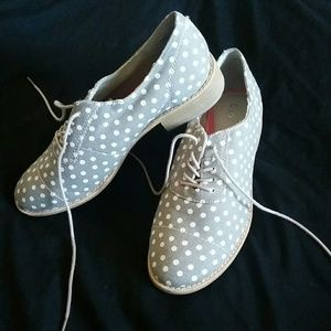 Gap Polka-dot Lace up Shoes