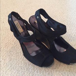 Simply Vera black sandal wedges