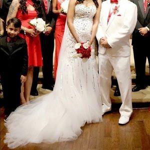 Dresses & Skirts - White wedding dress