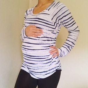 Liz Lange Long Sleeve Maternity Top