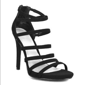 NWT Anne Michele black strappy heels