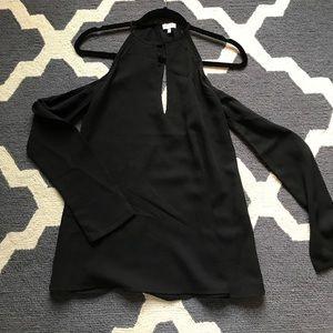Tobi long sleeve cold shoulder shirt! XS