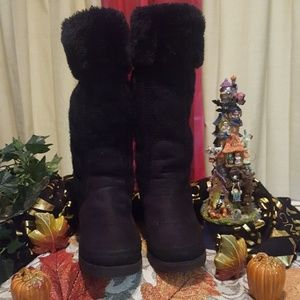 American Egal Blk Fux Fur and Sweater Wedge Boot