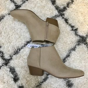 Old navy boots with tags