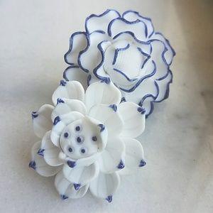 Blue spanish flowers asymmetrical earrings 💙