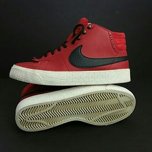 NIKE Shoes - NIKE BLAZER MID LEATHER WOMEN SHOES