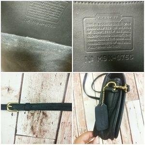 Coach Bags - Vintage COACH Pocket Cross Body Purse