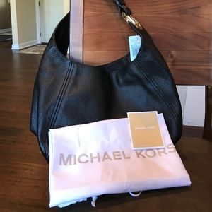 Michael Kors Hobo Bag-black pebble leather