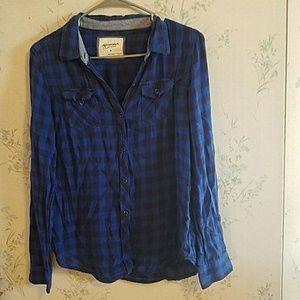 Plaid long sleeved shirt