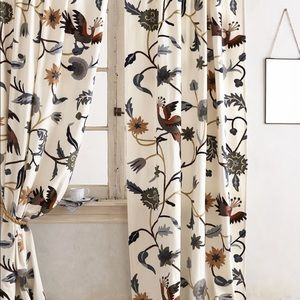 Mantadia Curtains
