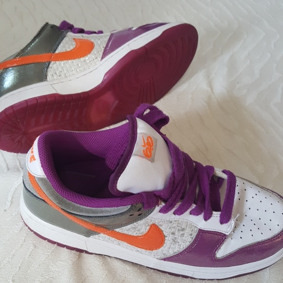 Nike women s 6.0 purple monochromatic sneakers. M 59e3a8ae41b4e0517a0767a0 3380c498d001