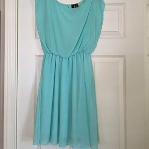 Junior's size small, short-sleeve dress