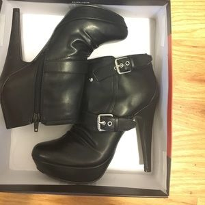 NEW! Guess Booties with heel