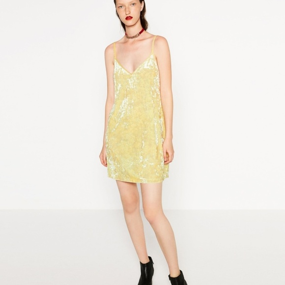 51d25d8314 Zara Yellow Velvet Slip Dress Sz Sm. M_59e3b5202de51238f907a1b4