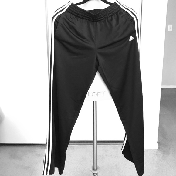 2 stripe adidas pants