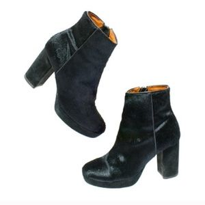 Madewell and Alexa Chung boots in calf hair size 8