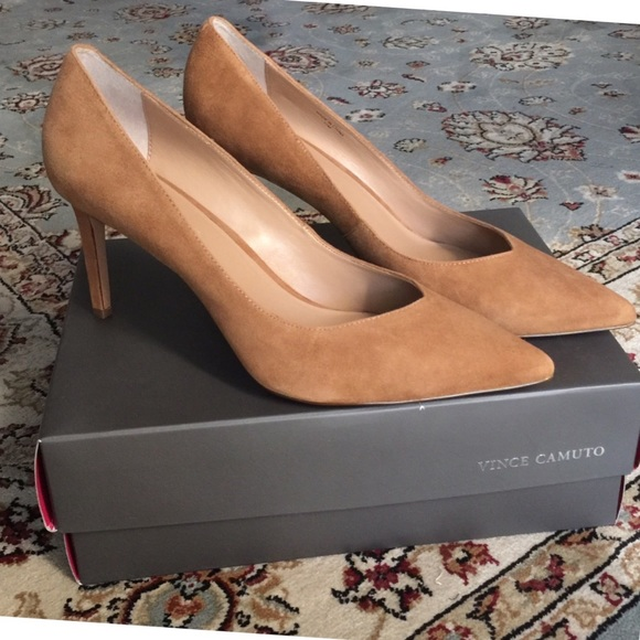 bdbb7dfcd0682 Banana Republic Madison 12-Hour Pump - Camel Suede