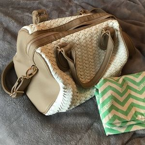 Deux Lux tan and white handbag