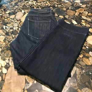EUC Like New Elite Tahari Adena Straight Jean