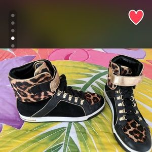 Women Michael Kors shoes/sneakers