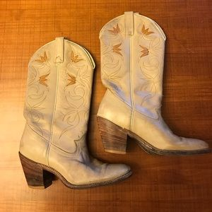 VINTAGE distressed cowboy boots
