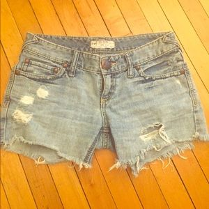Free people mid-rise cut off shorts. Size 25