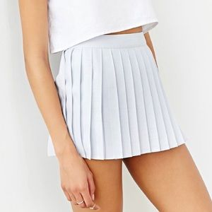 Silence & Noise Eloise pleated skort