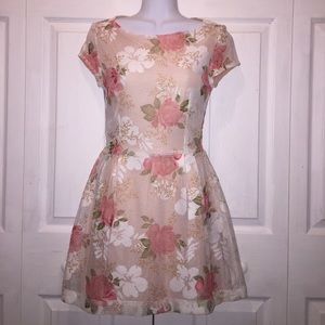 Dresses & Skirts - Formal Floral dress