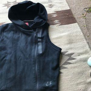 Nike Black Tech Fleece Vest. Excellent condition✨