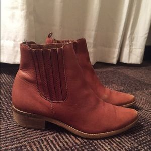 Madewell Chelsea Boots size 8