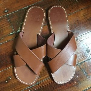 GAP brown sandals