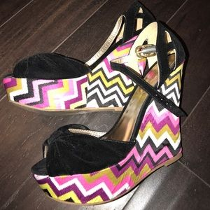 SHOE DAZZLE SATIN zig zag pattern wedges