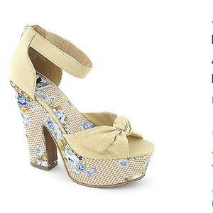 Natural flower  high heel platform shoes size 9-10