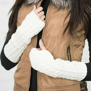 Accessories - Cable Knit Fingerless Gloves