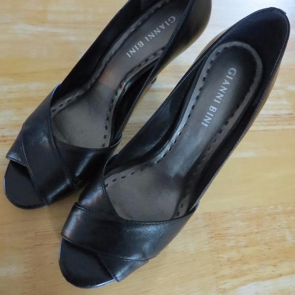 580248b0b8f Gianni Bini Black Peep Toe Heels Sz 6 Mirage