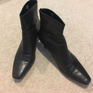 Aerosoles Black Leather Ankle Boots