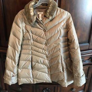 Down Jacket w/ faux fur collar