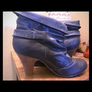 Madden Girl- Women's 7.5 ankle boots
