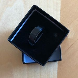 Jewelry - Black ring size 10